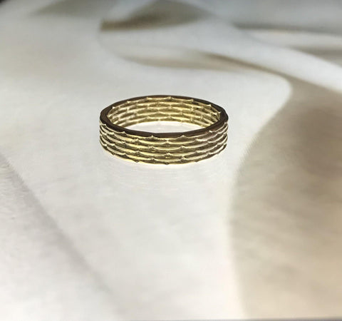 18k Gold Basket Weave Textured Pattern Stacking Ring