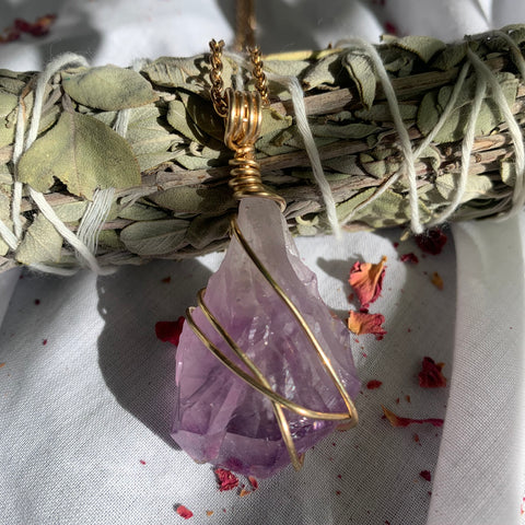 Amethyst in 14k Gold with 60cm chain