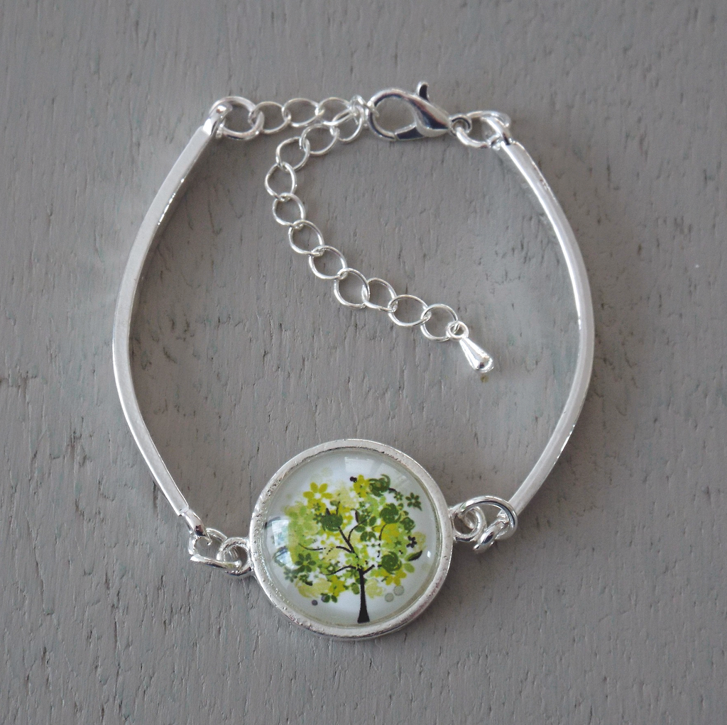 Silver plated bar bracelet  - 18mm green tree cabochon