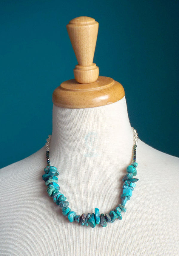Turquoise gemstone chips necklace