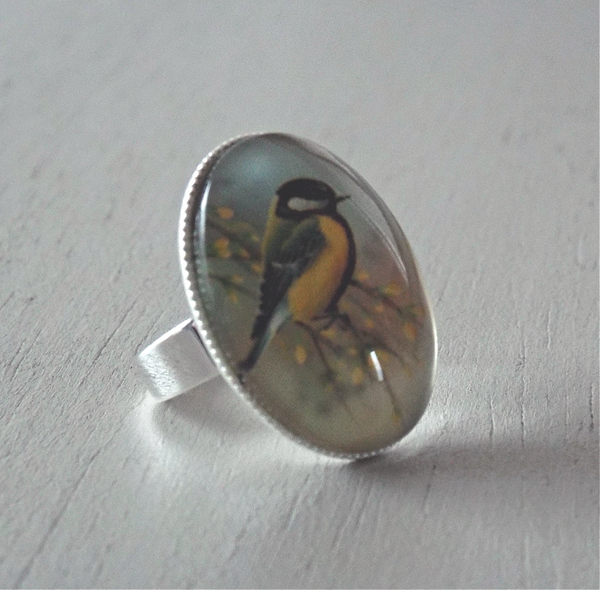 Ring - 25x18mm great tit bird cabochon, adjustable SP single band