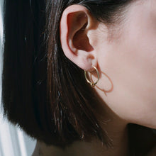 Load image into Gallery viewer, Gold Midi Creole earrings