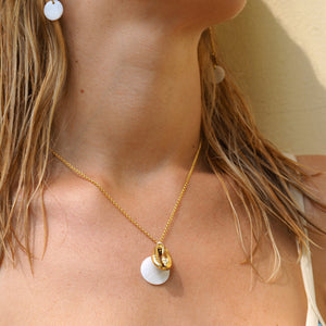 Gold Kiki Seashell necklace
