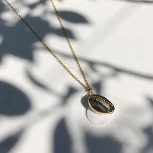 Load image into Gallery viewer, Gold Kiki Seashell necklace