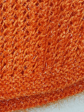 Load image into Gallery viewer, Haut en crochet sans manches orange métallisé
