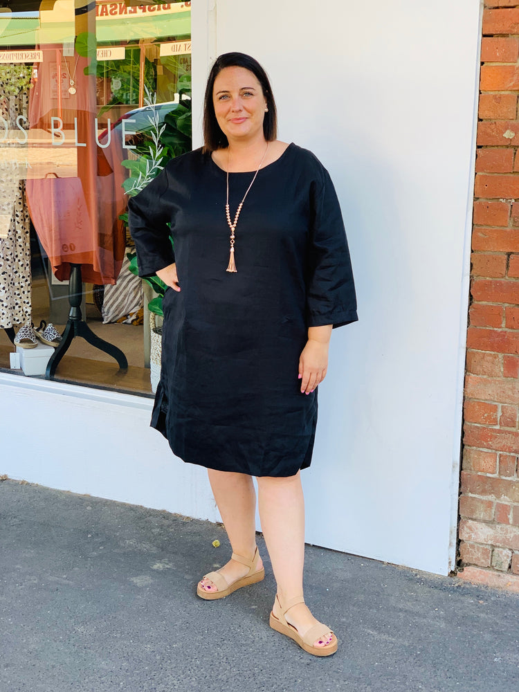 Boatneck Shift Dress- Black