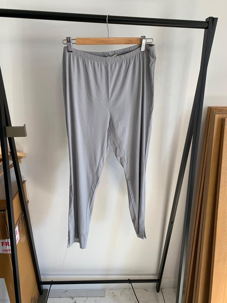 Load image into Gallery viewer, Capri Pant - Pewter