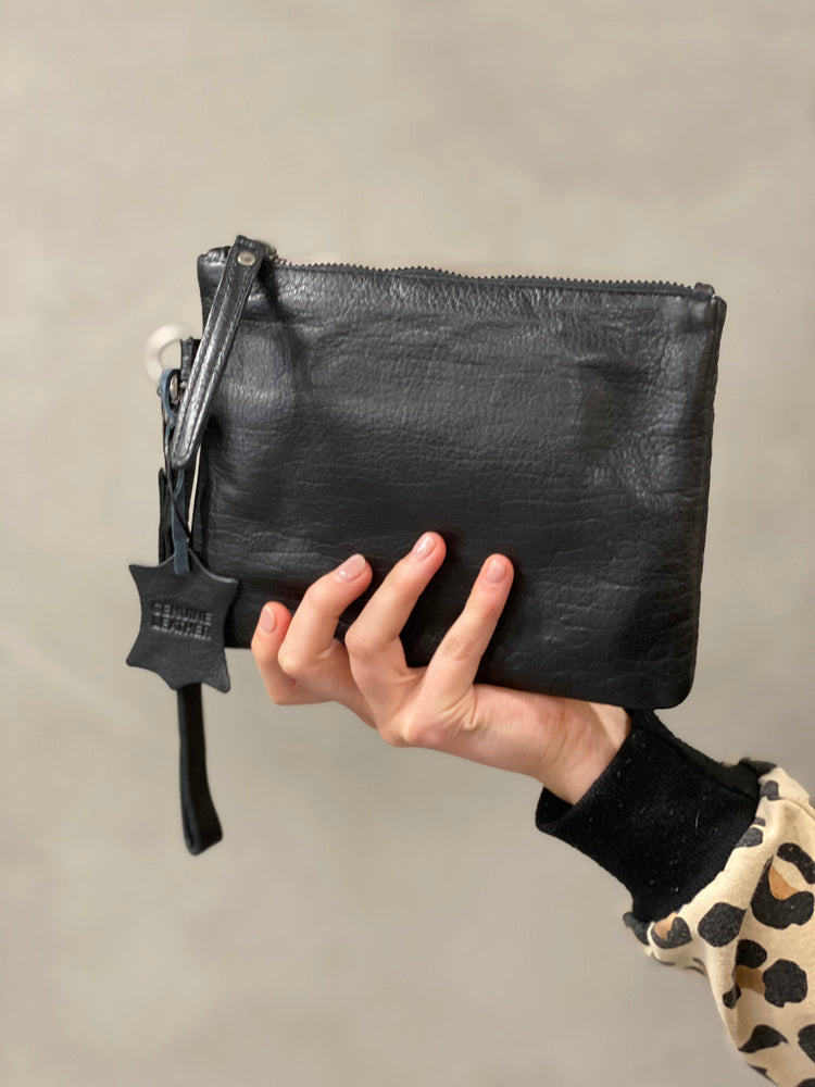 Load image into Gallery viewer, Gili Purse/Clutch - Black
