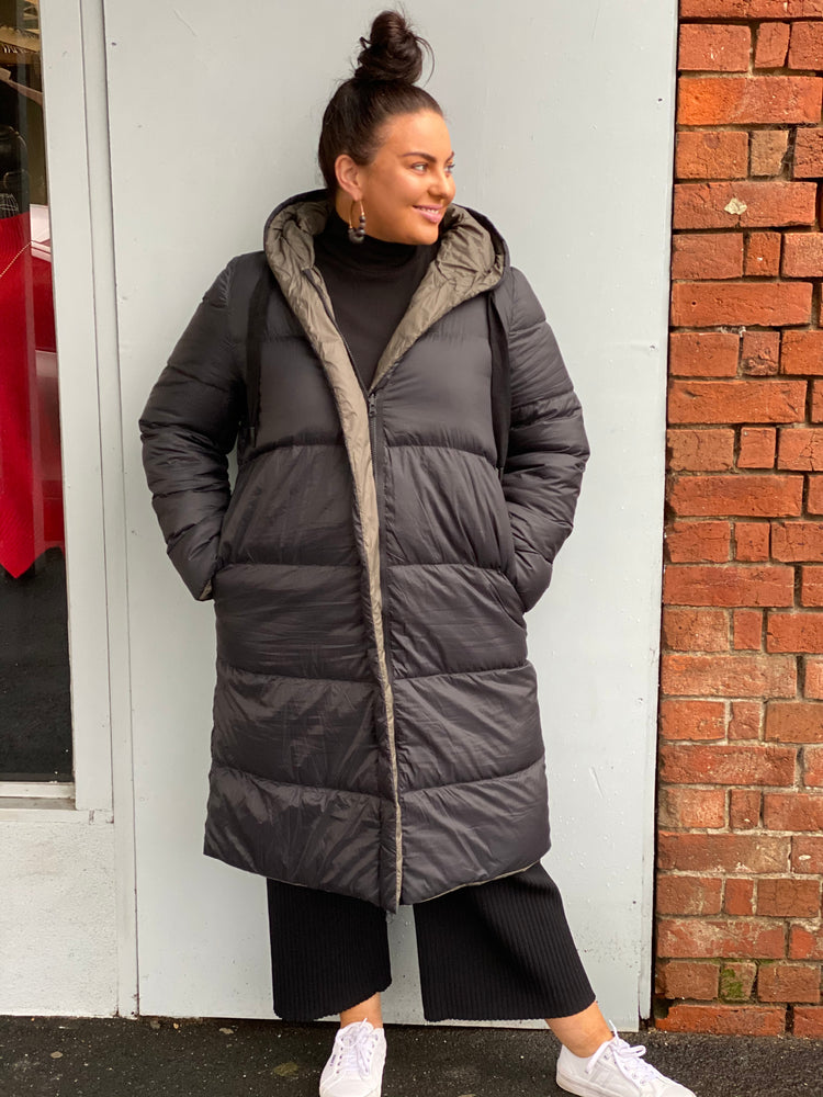 Reversible Oversize Feather Down Jacket