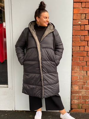 Load image into Gallery viewer, Reversible Oversize Feather Down Jacket