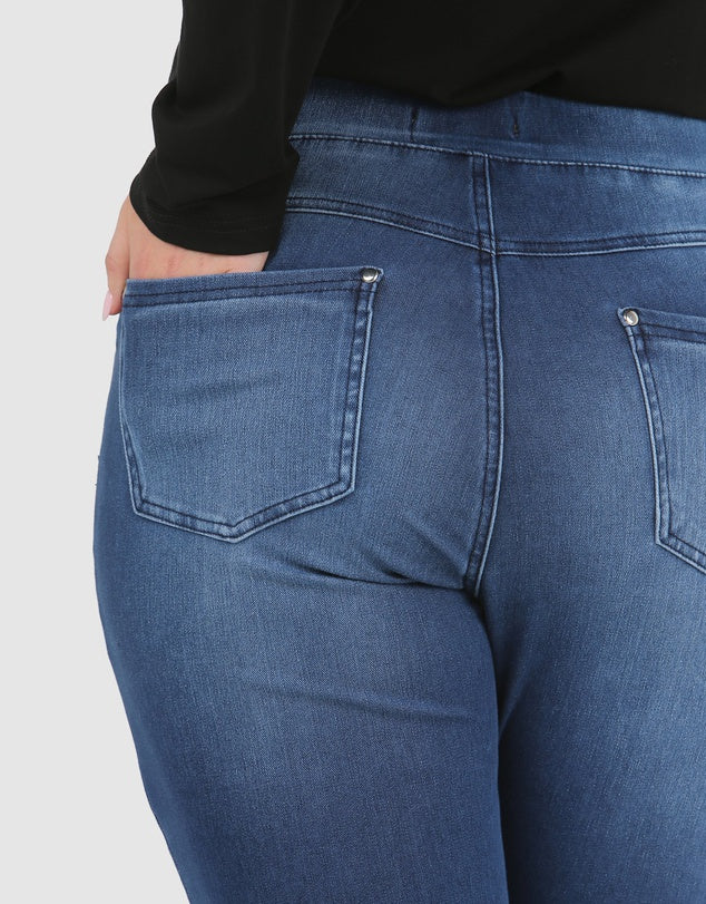 Load image into Gallery viewer, Carmen Pull On Jeans Blue