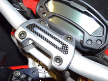 Load image into Gallery viewer, Ducabike Handlebar Clamp With Carbon For Ducati Monster 696