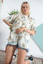 Load image into Gallery viewer, Vintage Hawaiian pattern shirt in cream