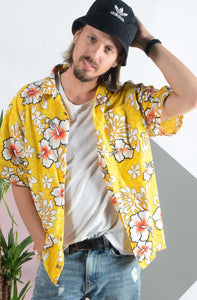 Vintage Hawaiian shirt in yellow