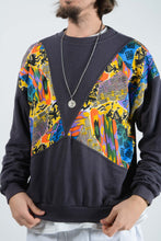 Load image into Gallery viewer, Vintage 80s Sweatshirt with Abstract Pattern - L