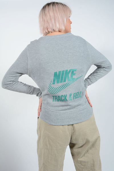 Vintage NIKE Sweatshirt in Grey with Logo - S