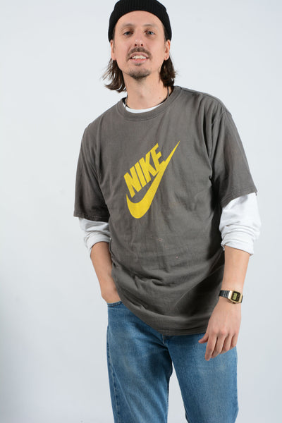 Vintage NIKE T-Shirt in Grey with Logo - L