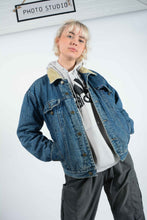 Load image into Gallery viewer, Vintage Shearling Fleece Lined Denim Jacket in Blue - L