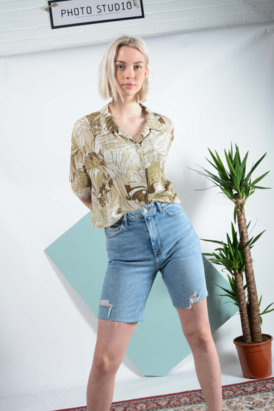 Copy of Abstract pattern cropped shirt