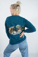 Load image into Gallery viewer, Vintage USA Sweatshirt in Blue with Wolf Print -L
