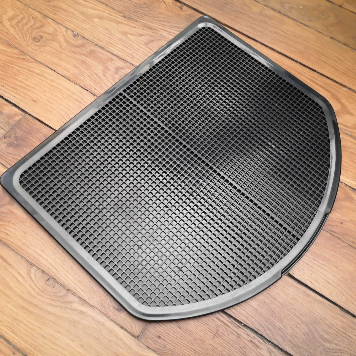 best cat litter mat spreadztrap black on wooden floor