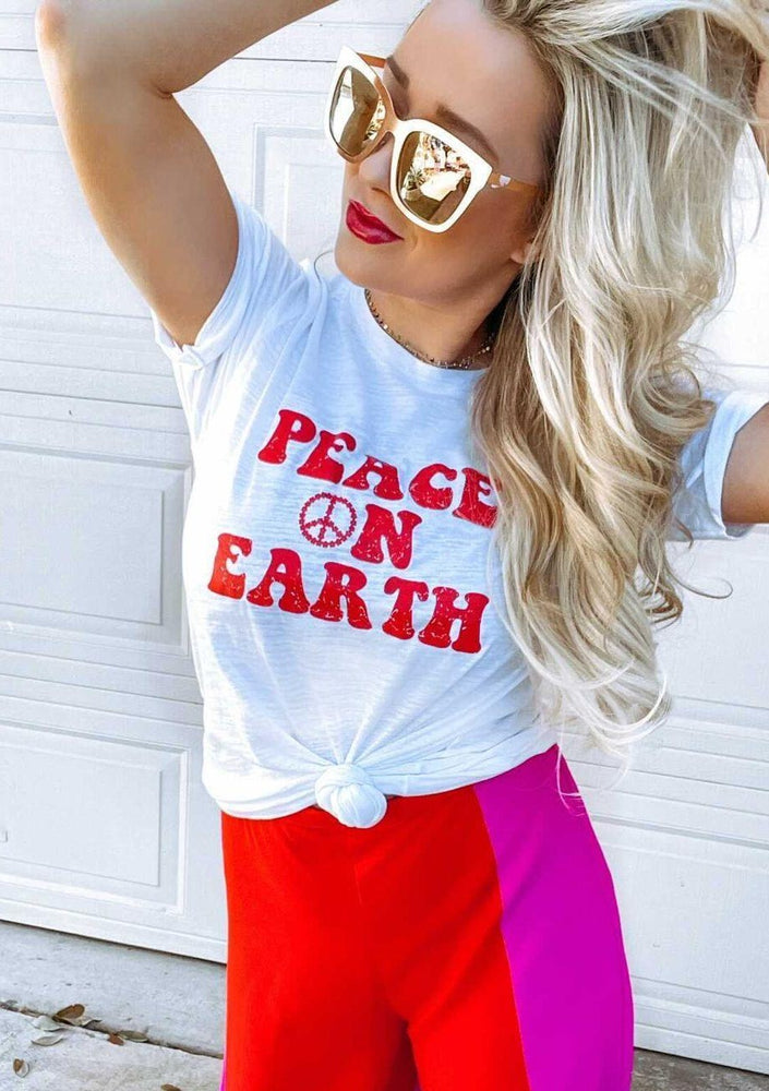 Peace on Earth, Retro - Boyfriend Tee