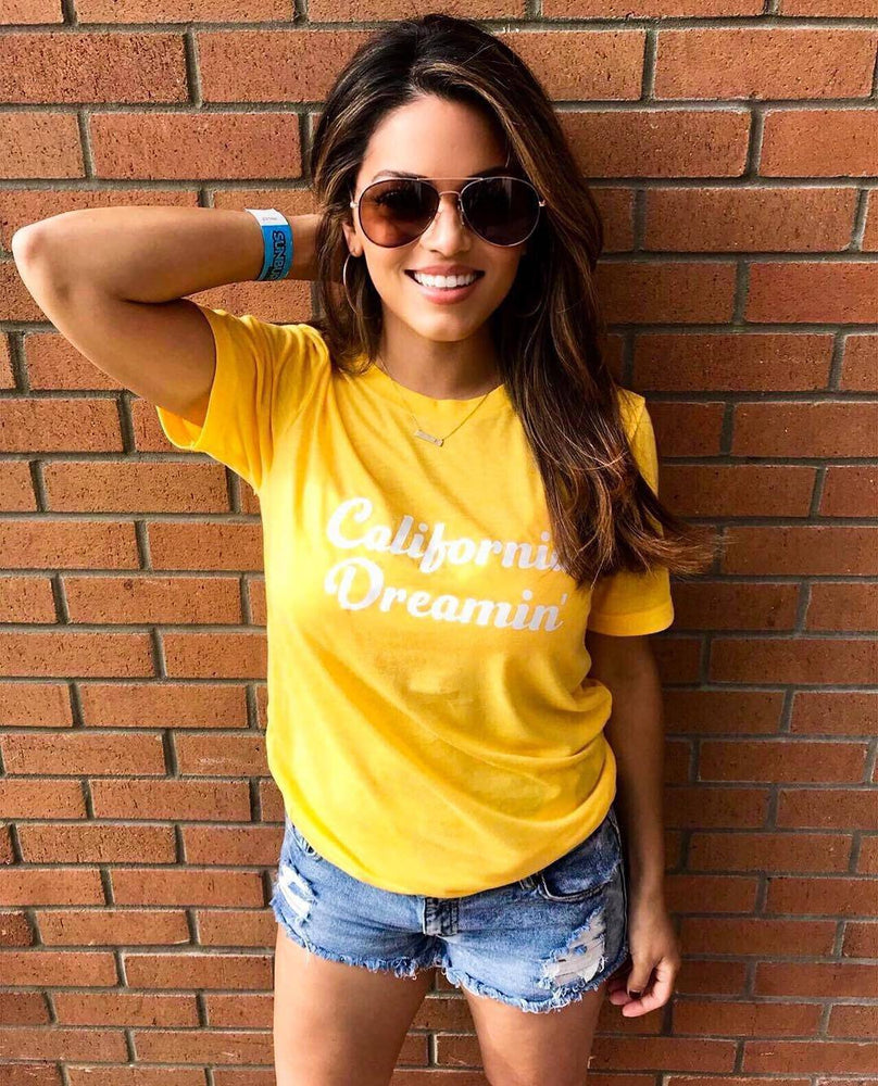 Load image into Gallery viewer, California Dreamin - Boyfriend Tee