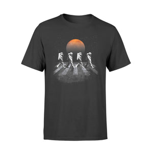 Astronauts In Walking In Space Occupy Mars - Premium T-shirt