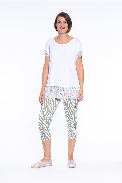 Khaki Zebra print 3/4 pant with Zipper Detail