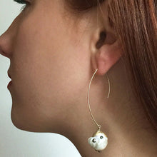 Load image into Gallery viewer, Pearl Curve Line Drop Earrings