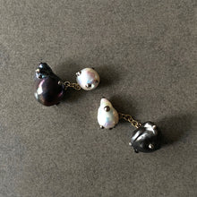 Load image into Gallery viewer, Double Sided Mixed Pearl and Gold Cufflinks