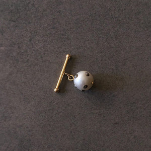 Single Barbell White Baroque Pearl Cuff Link in 18K Gold