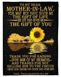 BeKingArt Family Personalized Daughter In Law Gift For Mother In Law Sunflower Reflection In Water Thank You For Raising The Man Of My Dreams Fleece Blanket