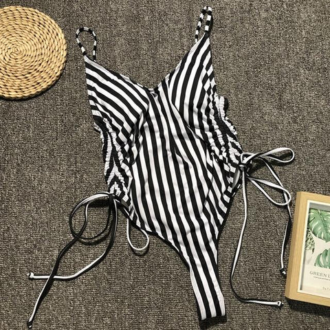 High cut one piece swimsuit Monokini