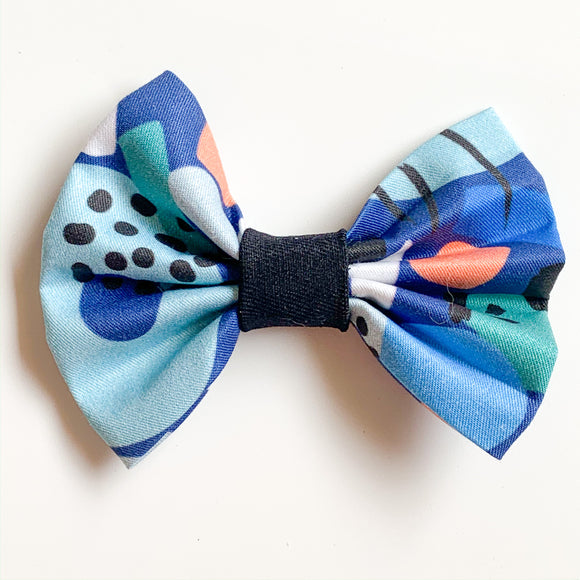 'Moving Tides' Dog Bow Tie and Fur Clip Bows