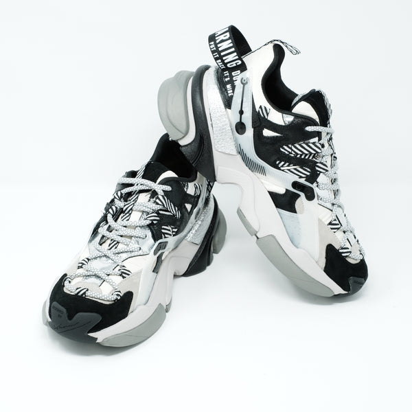 RUNNERS - White and Black