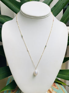 Short Allie White Freshwater Pearl Necklace
