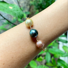 Load image into Gallery viewer, Anuenue 3 Pearl Bracelet