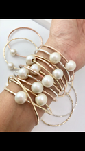 Load image into Gallery viewer, Mama & Me White Pearl Bangle Set