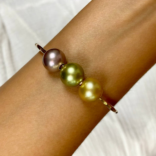 Tropical Goddess Pearl Bangle