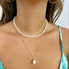 Load image into Gallery viewer, Short Allie White Freshwater Pearl Necklace