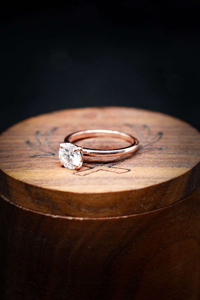 14K GOLD SOLITAIRE ENGAGEMENT RING WITH ROUND MOISSANITE CENTER STONE AND 4 PRONGS (fully customizable)