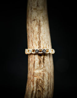 14K GOLD GEOMETRIC STACKING BAND WITH 1/6CTW DIAMOND - SIZE 7