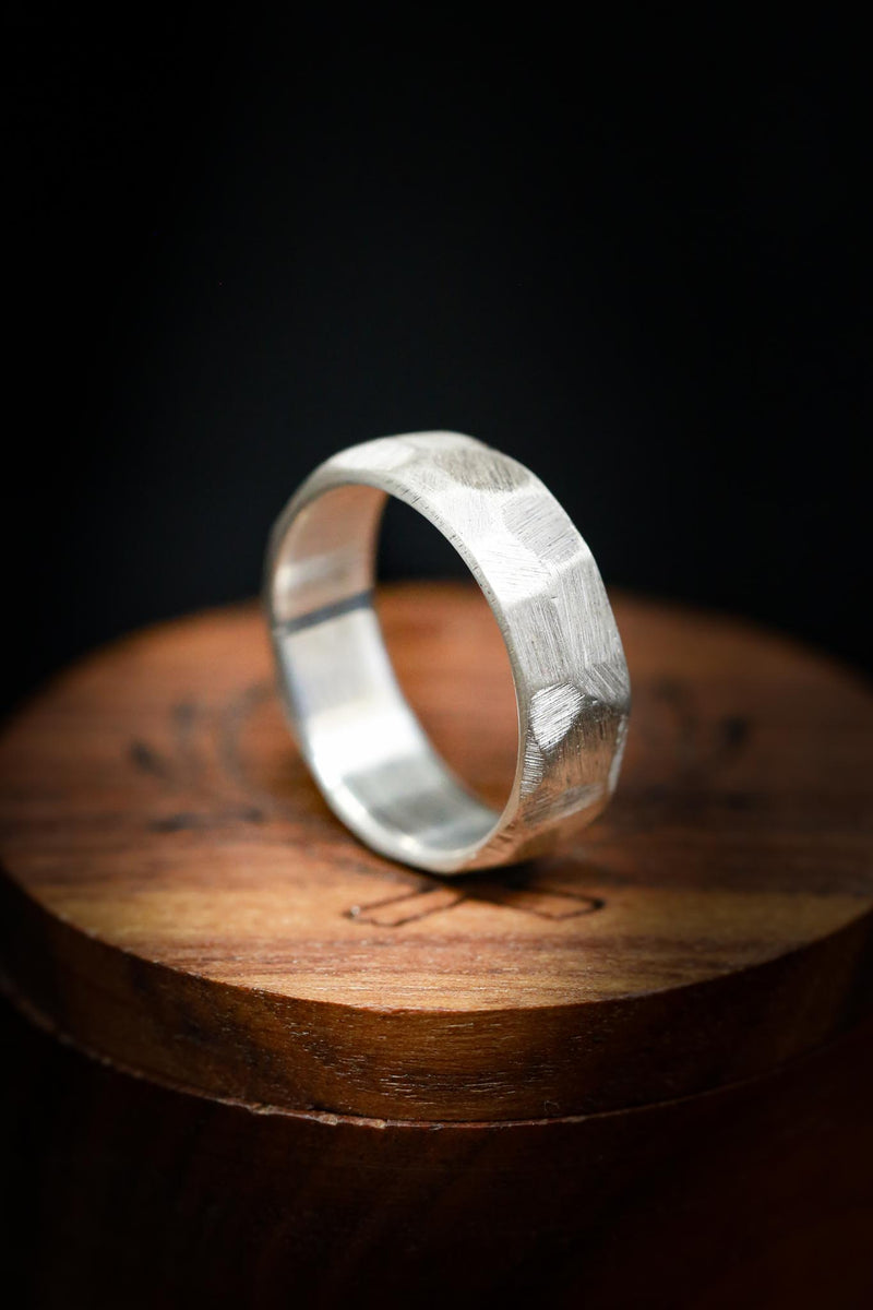FACETED BLACK ZIRCONIUM RING WITH A TEXTURED FINISH
