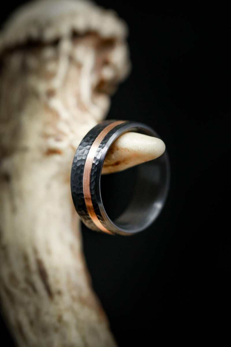 HAMMERED BLACK ZIRCONIUM & 14K GOLD WEDDING BAND
