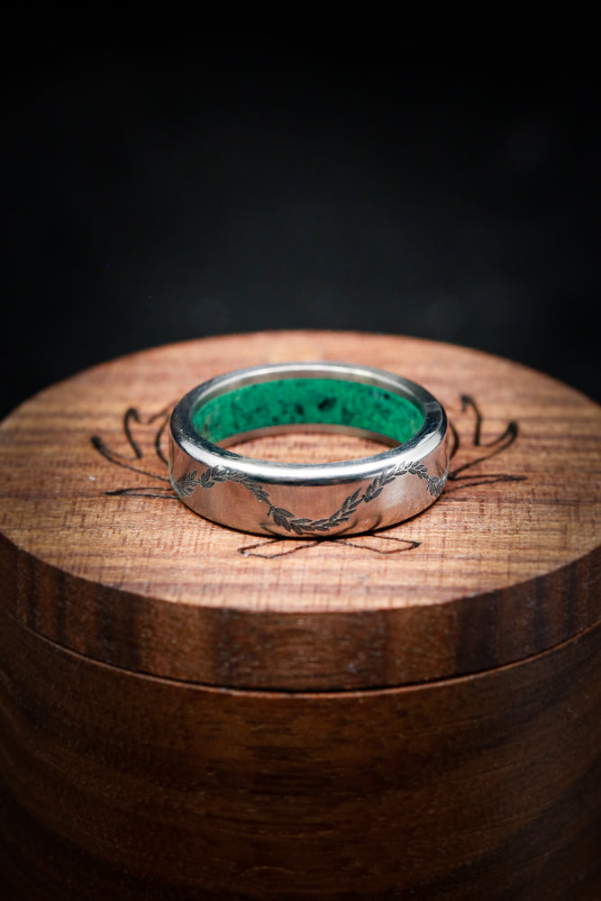 MALACHITE LINED WEDDING BAND WITH FLORAL ENGRAVING (fully customizable)