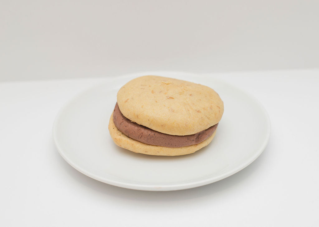 Black & Tan Whoopie Pie - 4 Pack
