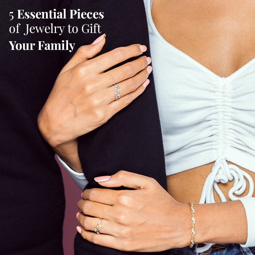 5 Essential Pieces of Jewelry to Gift Your Family