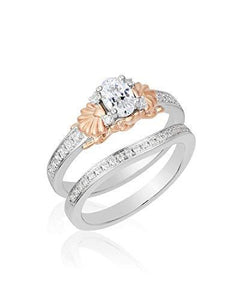 Enchanted Disney Fine Jewelry 14K White Gold and Rose Gold 3/4 CTTW Diamond Ariel Ring.