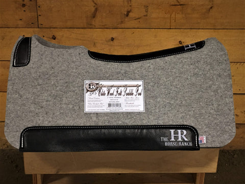 The Horse Ranch saddle pad grey and black